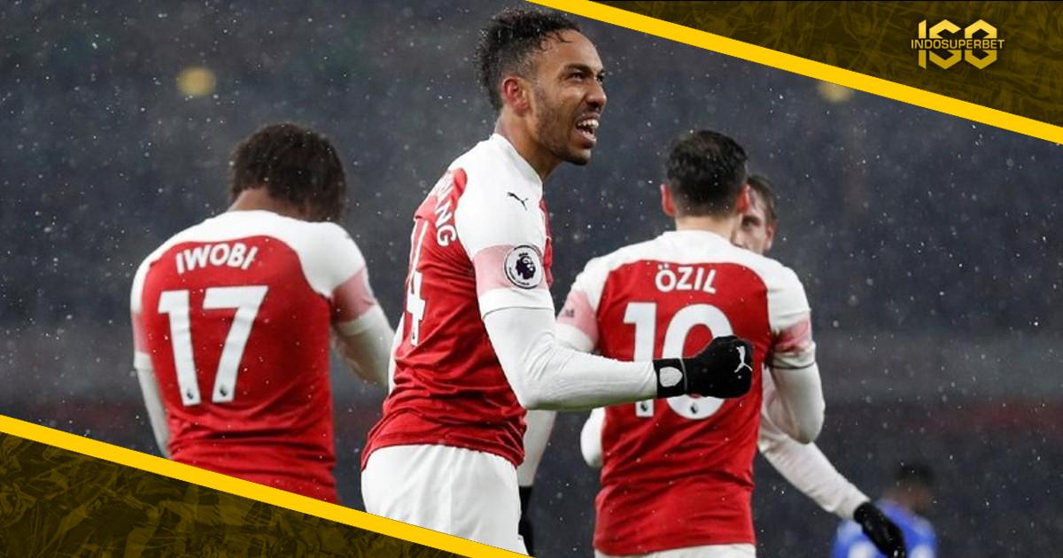 Arsenal Kalahkan Cardiff City 2-1